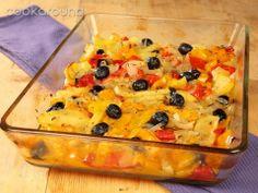 Teglia di patate, cipolle e peperoni al forno