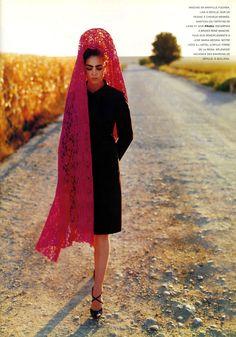 Séville en Mantille Vogue Paris, November 1995 Photographer: Mario Testino Model: Chandra North