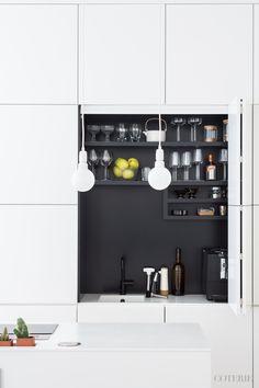 art deco home Kitchen Taps, Kitchen Dinning, Kitchen Decor, Beautiful Kitchens, Cool Kitchens, Kitchen Interior, Kitchen Design, Home Design, Cocinas Kitchen