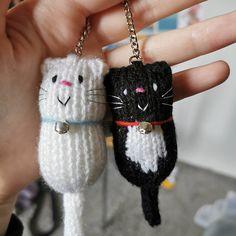 Gato Llavero de punto de mano gato gordo llavero llavero | Etsy Cat Lover Gifts, Cat Gifts, Cat Lovers, Loom Knitting, Hand Knitting, Pompom Scarf, Knitted Cat, Original Design, Cat Decor
