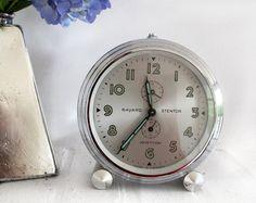 French vintage alarm clock by BAYARD