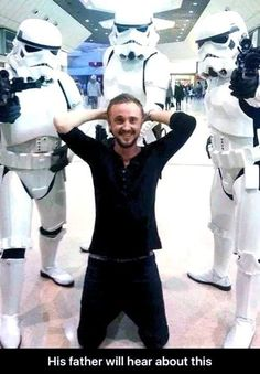 """Thomas Andrew """"Tom"""" Felton is an English actor and singer. He is best known for playing the role of Draco Malfoy in the Harry Potter film series, the film Mundo Harry Potter, Harry Potter Jokes, Harry Potter Cast, Harry Potter Universal, Harry Potter Fandom, Tom Felton, Draco Malfoy, Dramione, Drarry"""