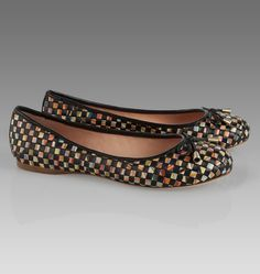 From elegant high heels to comfortable trainers and flats, Paul Smith womens shoes feature bold colours and leather or suede options to choose from. Shop now. Cute Flats, Stylish Eve, Paul Smith, Designer Shoes, Leather Shoes, High Heels, Pumps, Woman Shoes, Elegant