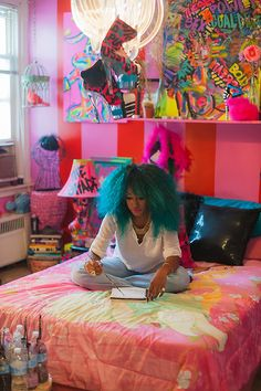 Black Girls Killing It <--- that is the most amazing room ive ever seen! (and hair too!)....green hair, green weave