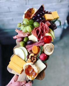 twist my arm...i guess I can build my own little charcuterie & cheese board for lunch ♀️ having the best #LegenDairyWeekend here in…