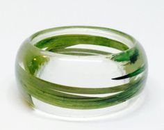 Joyería de resina de tamaño medio hierba salvaje.  Pulsera de resina botánico. Personalizados con el grabado.