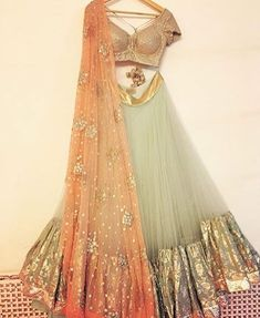 Beautiful outfit for the bride's mehendi function❤️