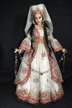 Alisa's International Doll Art Online Doll Show