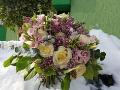 Siringa, avalanche roses, pink eustoma, brunia, all gathered in a very special bouquet for a very important corporate lady