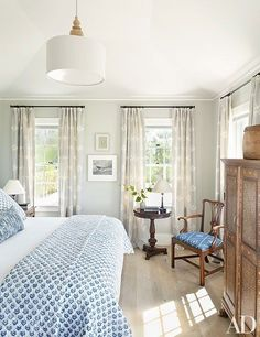 This pitch-perfect Nantucket home brilliantly reflects the East Coast island's classic style.