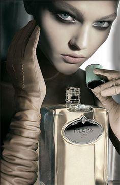 + Q Perfume Blog  I love this adverting!