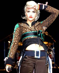 Gwen Stefani Style Gallery – View 23 Photos of Gwen Stefani - ELLE