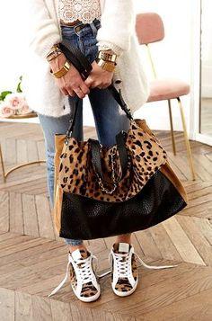 Ideas for basket femme tendance leopard Leopard Purse, Leopard Sneakers, Diy Bags Purses, Boho Bags, Mode Inspiration, Beautiful Bags, Urban Fashion, Fashion Bags, Tote Bag