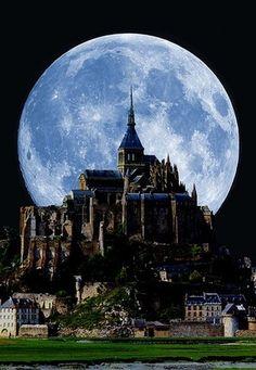Full moon behind Mont Saint Michel, France