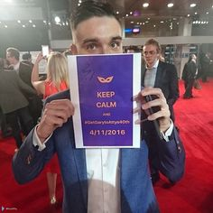 Tom na pré-estreia de #BatmanvSuperman em Londres, na Inglaterra. (via @HussAtty) (22 mar.)