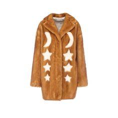 And what's in your Christmas wishlist?  Sanahunt Luxury Department Store дарує подарунки напередодні Різдва та Нового року. З 22 по 25 грудня на сайті sanahunt.com буде проходити #Christmas Sale: -50% на осінньо-зимові колекції наймодніших та жаданих брендів - @stellamccartney @fendi @balmain та багатьох інших а також на всі б'юті-товари. #VogueUA склав свій список бажань - більше на сайті. #sanahunt #style #fashion #brand #sanahuntstore via VOGUE UKRAINE MAGAZINE OFFICIAL INSTAGRAM…