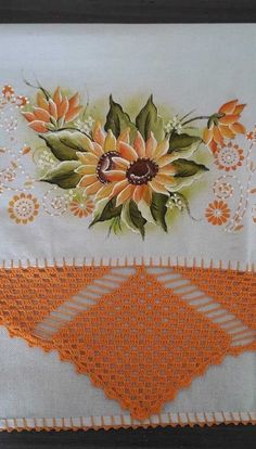 Os barrados de crochê maiores também são uma linda opção para os panos de prato Free Crochet, Stencils, Napkins, Crochet Patterns, Barbie, My Favorite Things, Towel Crafts, Crochet Dollies, Crochet Dishcloths