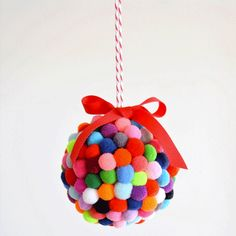 55 Homemade Christmas Ornaments for Your Tree Pompons were the star of our countless children's Noel Christmas, Christmas Crafts For Kids, Diy Christmas Ornaments, Christmas Projects, Holiday Crafts, Christmas Gifts, Holiday Tree, Holiday Decor, Christmas Christmas