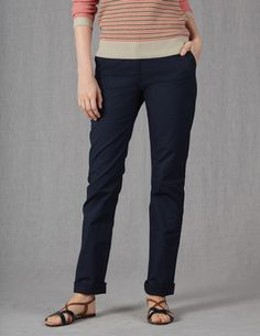 Ive spotted this @BodenClothing Spring Chino Navy