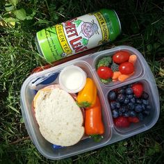 Healthy lunch for on-the-go! | packed in @EasyLunchboxes