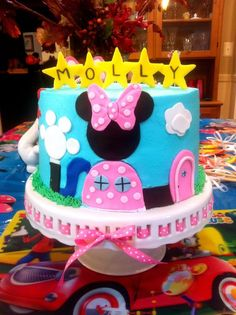 Minnie's Clubhouse - by WhiskMeAwayCakes @ CakesDecor.com - cake decorating…