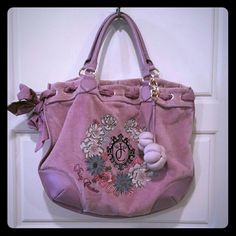 !! Juicy Couture Purple Flower Print Bag Purse New listing! Juicy Couture bag purse purple velvety and leather like. Pretty inside and out, very detailed embroidery, 2 flowers on a removable clip. Excellent condition :) Juicy Couture Bags Shoulder Bags