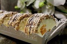 Olethan maistanut iki-ihastuttavia Budapest-leivoksia? Nämä ovat ihan klassikko , mutta itse tehtyinä täydellistä herkkua ! Ohjeen löysi... Baking Recipes, Dessert Recipes, Finnish Recipes, Foods With Gluten, Pavlova, Deli, Sweet Tooth, Sweet Treats, Deserts