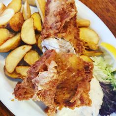 Backfisch aus der Fischküche Laboe - so lecker Chicken Wings, Meat, Ethnic Recipes, Food, Seafood Restaurant, Win Prizes, Pisces, Easy Meals, Bakken