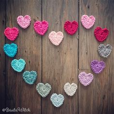 💕 The hearts you work in 5 minutes. # bautawitch pattern # active heart # heart # fungie # hekeln # all-hearted day Diy And Crafts, Arts And Crafts, String Bag, Use Of Plastic, Textiles, Market Bag, Knitted Bags, Baby Gifts, Crochet Necklace