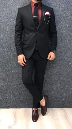 Collection: Spring – Summer 2019 Product: Slim-Fit Wool Suit Color Code: Black Size: Suit Material: 70 wool, 30 polyester Machine Washable: No Fitting: Slim-fit Package Include: Jacket, Vest, Pants Only Gifts: Shirt, Chain and Neck Tie Costume Slim, Mode Costume, Blazer Outfits Men, Stylish Mens Outfits, Indian Men Fashion, Mens Fashion Suits, Formal Men Outfit, Formal Suits, Black Suit Men