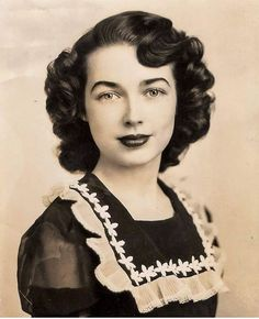 1940s real-life vintage hair inspiration #1940s #1940shair #vintagehair #vintagephoto