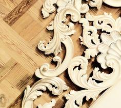 Intaglio carving BED 700