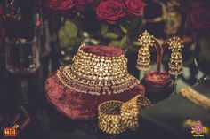 I have been collection Most Beautiful Jewellery Shots of real brides for awhile now. As a bride we all want the best of the wedding photographs possible. Indian Jewelry Sets, Bridal Jewelry Sets, Bridal Jewellery, Wedding Jewelry, Diy Jewellery, Wedding Earrings, Stylish Jewelry, Luxury Jewelry, Jewelry Accessories
