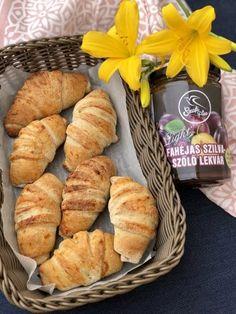 Vegán szilvalekváros mini croissant Szafi lisztekből - Kelt tészták - Gluténmentes övezet - blog Sin Gluten, Paleo Dessert, Dessert Recipes, Mini Croissants, Vegan Life, Pretzel Bites, Minion, Deserts, Food Porn