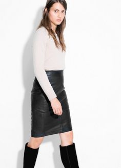 Leather pencil skirt with decorative buckle and inner lining. Manga, Leather Fashion, Well Dressed, Leather Skirt, Style Me, Rock, Mango France, Skirts, How To Wear
