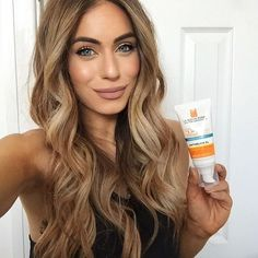 I'm a huge factor 50 sun-care wearer on holiday and everyday under my make up and the new @larocheposayuki is a really lovely light option for my current dry skin! #FaceTheSun #Ad