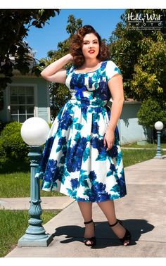 Pinup Couture- Evelyn Dress in Vintage Blue Rose Floral with Bolero - Plus Size | Pinup Girl Clothing