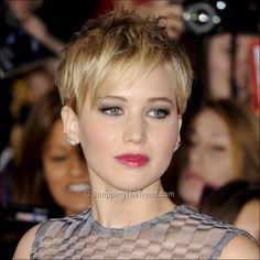 Jennifer Lawrence short hair - Belinda you could keep everything short except the bangs!