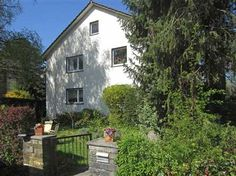 Ideal Einfamilienhaus in Freiburg Littenweiler Das nach S den ausgerichtete Haus befindet sich in verkehrsarmer Lage