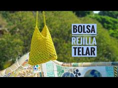 Cómo tejer una bolsa de malla o rejilla con telar - FÁCIL (Tutorial DIY) - YouTube Loom Knitting Projects, Loom Knitting Patterns, Knitting Videos, Sewing Projects, Knitting Tutorials, Round Loom, Simple Bags, Knitted Bags, Handmade Bags