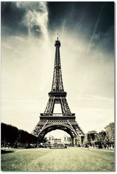 Buy Eiffel Tower Living Room Wall Art & Painting at Creative Furniture Store. It's a great idea to decor your living room, bedroom, and offices more beautiful. Eiffel Tower Painting, Urban Barn, Still Photography, Acrylic Wall Art, Acrylic Canvas, Hanging Wall Art, Decoration, Art Pictures, Gifts