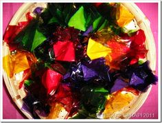 Colorful candies for the tables Fiesta Theme Party, Party Themes, Filipiniana Wedding Theme, Filipino Wedding, Filipino Recipes, Filipino Food, Colorful Candy, Pinoy, Street Food