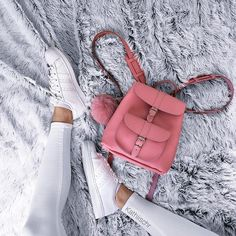 Prettiest backpack I've ever seen from @grafea SO IN LOVE … Pretty Backpacks, Girl Backpacks, School Backpacks, Mini Backpack, Leather Backpack, Minis, Look Adidas, Teddy Pictures, Nike Bags