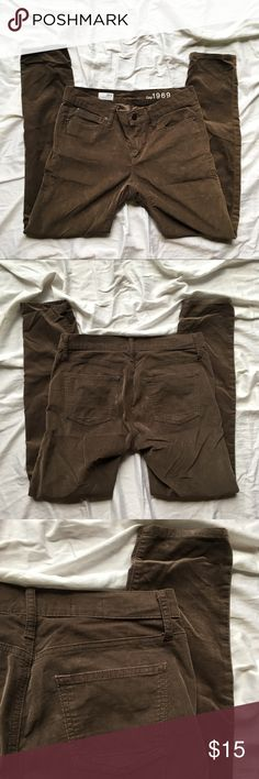 """Gap 1969 Brown Corduroy Skinny Leggings Gap 1969 Brown Corduroy Legging Jeans. Tagged size 28/6. Waist has a lot of stretch! Fabric is fairly thin and comfortable!  Approximate Measurements: Waist: 31-32.5"""".  Rise: 8.25 Inseam: 27.5"""" Inspected for quality, all signs of wear shown in pictures! Bundle up! Offers welcome 😊 GAP Pants Leggings"""
