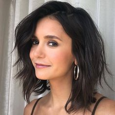 nina dobrev hair Short - Nina Dobrev Reveals Why She Was Hospitalized As Fans Are Really Concerned About Her Health! New Hair, Your Hair, Eliza Taylor, Very Short Hair, Short Bob Hairstyles, Celebrity Hairstyles, Long Bob, Gal Gadot, Jennifer Lawrence