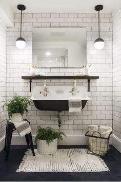 Metrotegels, zwart en nog veel meer met de badkamer trends van 2018! Lees er alles over op de Woonblog!