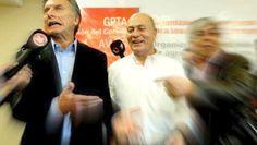 """""""MOMO"""" VENEGAS SE AUTOPOSTULO PARA CONDUCIR LA CGT: HOY REUNION CLAVE    Venegas se sube al tironeo por la CGT con aval de Macri La agitación que no tuvo el sindicalismo peronista en lo que va del año por conflictos la atraviesa por sus propias internas previas a la unificación de la CGT pautada para agosto. Hoy los gremios que respaldan a Hugo Moyano se reunirán para deliberar sobre la salida anticipada del camionero que se concretará el jueves como informó ayer este diario. El encuentro…"""