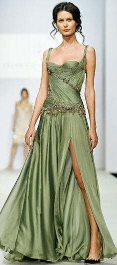 Love this GREEN DRESS- Valentin-Yudashkin