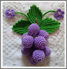 Knitting logo design galleries New ideas Crochet Leaf Patterns, Crochet Leaves, Crochet Motif, Crochet Flowers, Crochet Fruit, Crochet Ball, Crochet Food, Crochet Basics, Crochet Accessories