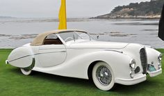 The car company Delahaye existed in France from 1894 to During this time she had become famous as a manufacturer, probably the most beautiful cars in the history of the industry. Feature Delahaye was that Classy Cars, Sexy Cars, Hot Cars, Carros Vintage, Art Deco Car, Auto Retro, Roadster, Pebble Beach Concours, Concours D Elegance